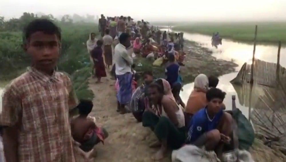 Suu Kyi visita por primera vez Rakáin, de donde han escapado 600.000 rohinyas
