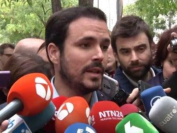 """Mas, líderes PDeCAT, ERC y Podem arropan a los citados gritando """"no estáis solos"""""""