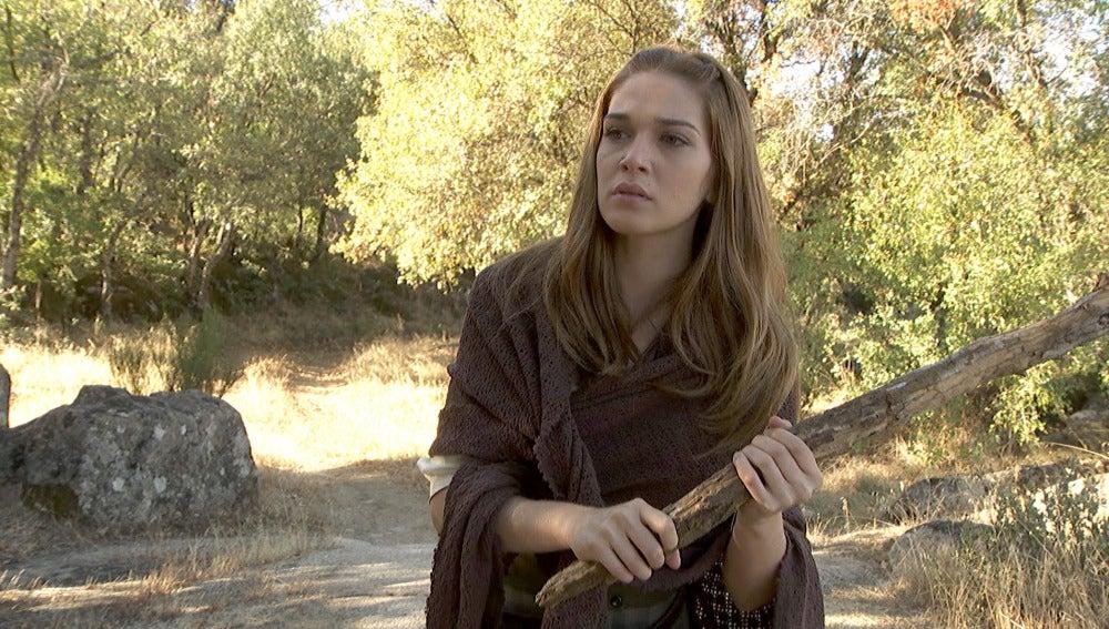 Julieta, sola y en peligro en medio del bosque