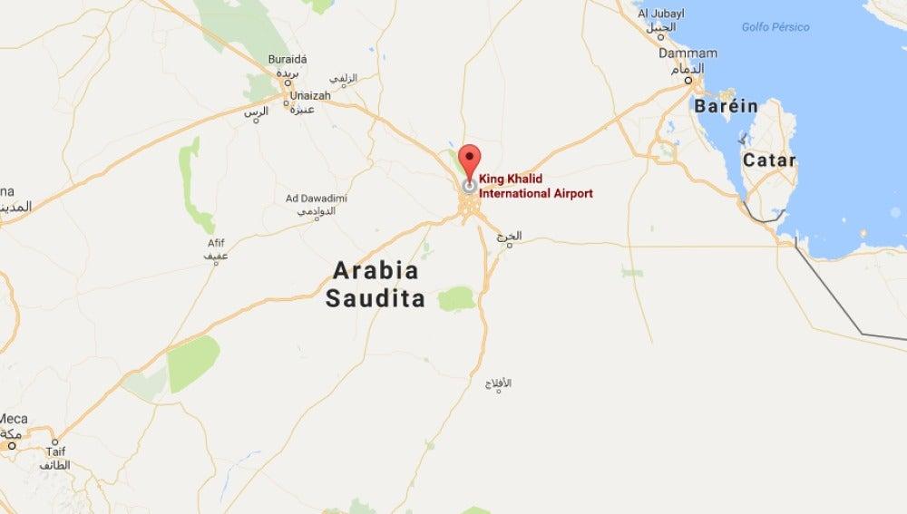 Los rebeldes yemeníes lanzan un misil balístico contra Riad