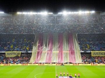 Imagen del Camp Nou antes del Barça-Sevilla