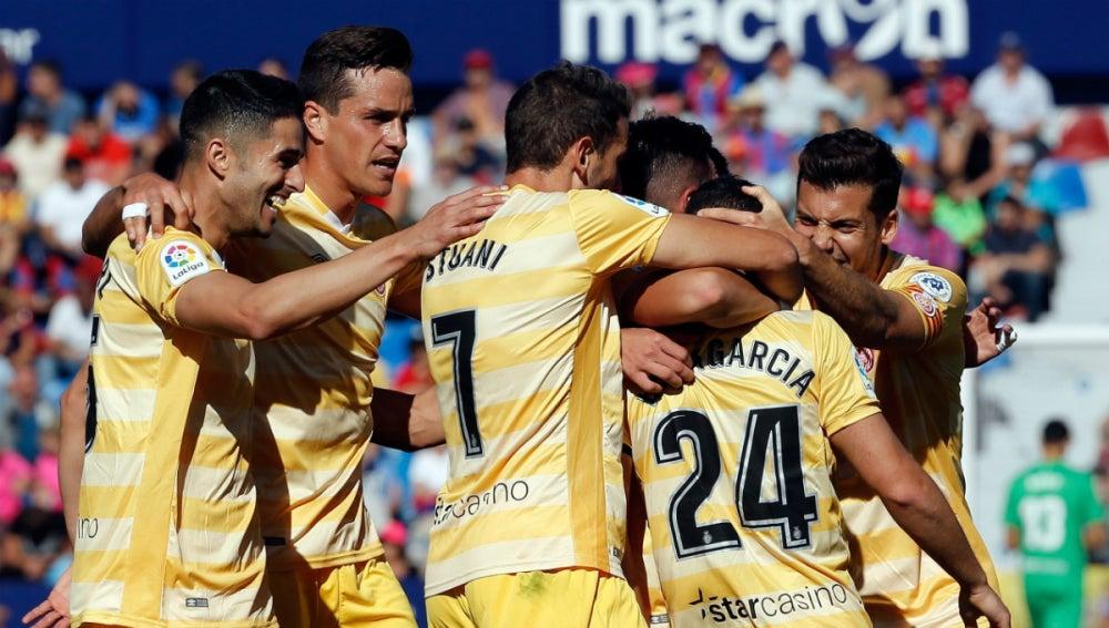El Girona celebra un gol