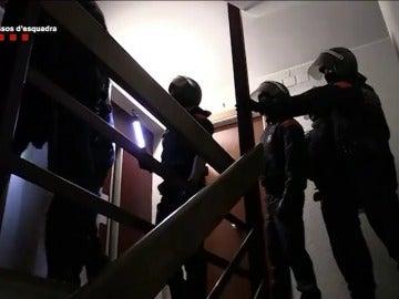 Desarticulada una organización criminal que explotaba sexualmente a mujeres nigerianas en Cataluña.