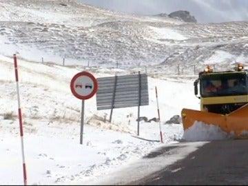 La primera nevada de temporada en el Pirineo deja mantos de hasta 30 centímetros