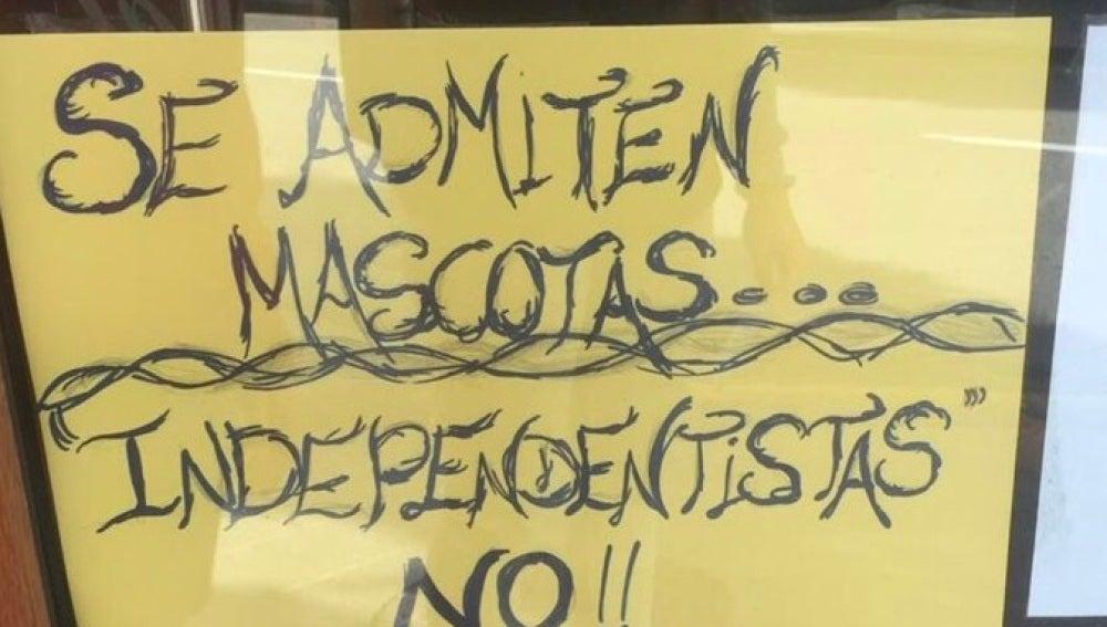 Polémico cartel en una cafetería de Gijón