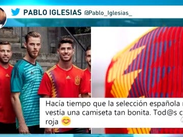 Pablo Iglesias elogia en Twitter la nueva camiseta de la selección española