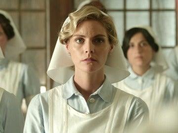 Tres damas enfermeras vivirán el horror de la guerra en primera línea