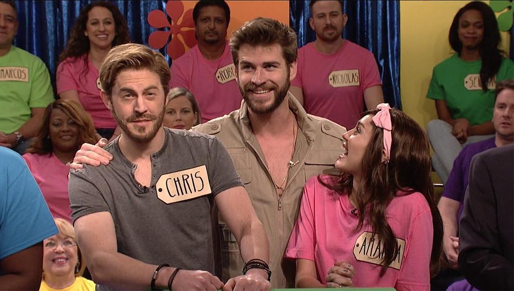 Miley Cyrus y Liam Hemsworth en el programa 'Saturday Night Live'