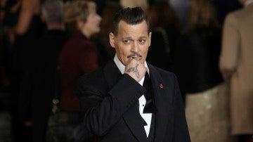 Johnny Depp en la premiere de 'Asesinato en el Orient Express'