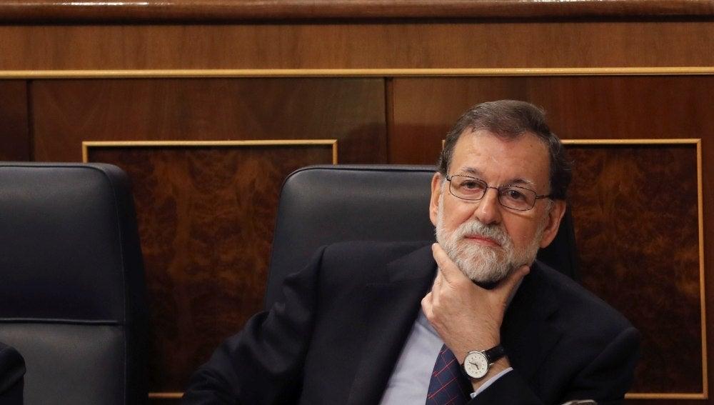 El presidente del Gobierno, Mariano Rajoy, durante la sesión de control al Ejecutivo