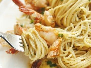 La pasta, mejor acompañarla con proteínas