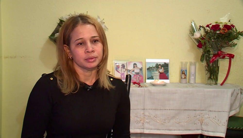 """La madre de la joven hallada muerta en su casa de Tetuán: """"Encontrar a mi hija tirada en el suelo con golpes me partió el alma"""""""