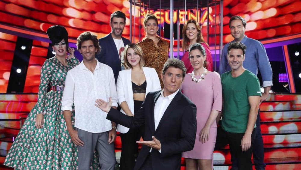 Los concursantes de la sexta edición de 'Tu cara me suena' junto a Manel Fuentes.