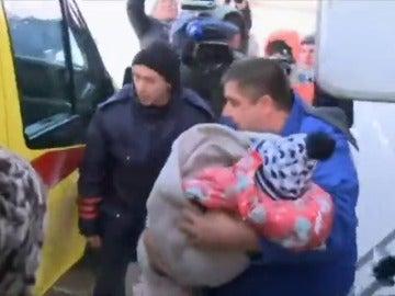 Una niña de 3 años única sobreviviente de un accidente aéreo en Rusia