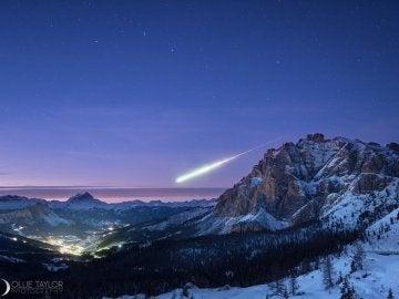 Bola de fuego sobre los Alpes