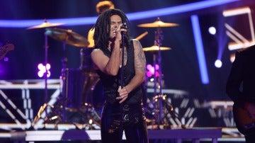 Miquel Fernández se traslada a los 90 para cantar 'Stand by my woman' de Lenny Kravitz