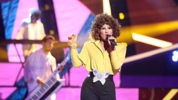 Lucía Gil pone al público en pie con su actuación de 'I wanna dance with somebody' de Whitney Houston