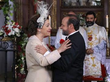 Francisca Montenegro y Raimundo Ulloa se dan el 'sí, quiero' definitivo