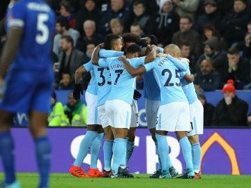 El Manchester City celebra un gol contra el Leicester