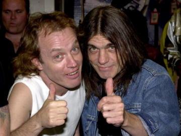 Angus y Malcolm Young, miembros de AC/DC