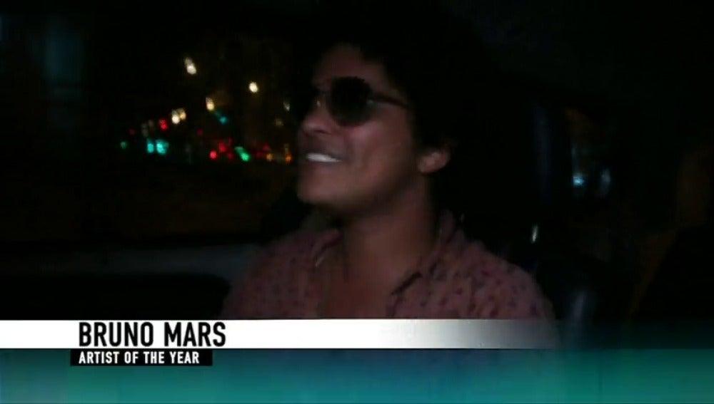 """Bruno Mars reina y """"Despacito"""" deja su marca en los American Music Awards"""