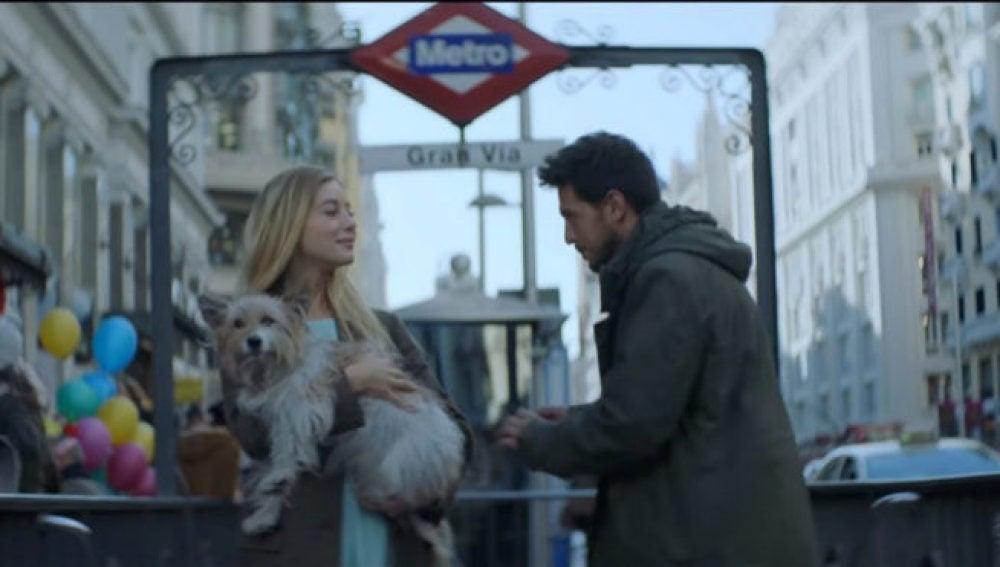 Max el perro de la Lotería de Navidad