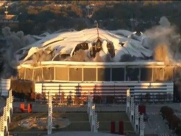 Espectacular demolición de un estadio en Estados Unidos