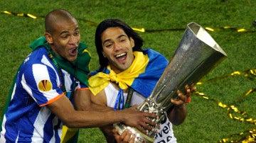 Falcao celebra la Europa League ganada por el Oporto