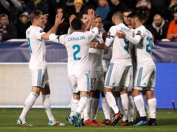 El Real Madrid festeja un gol ante el APOEL