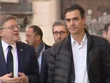 Sánchez pacta con los barones exigir a Rajoy un nuevo modelo de financiación