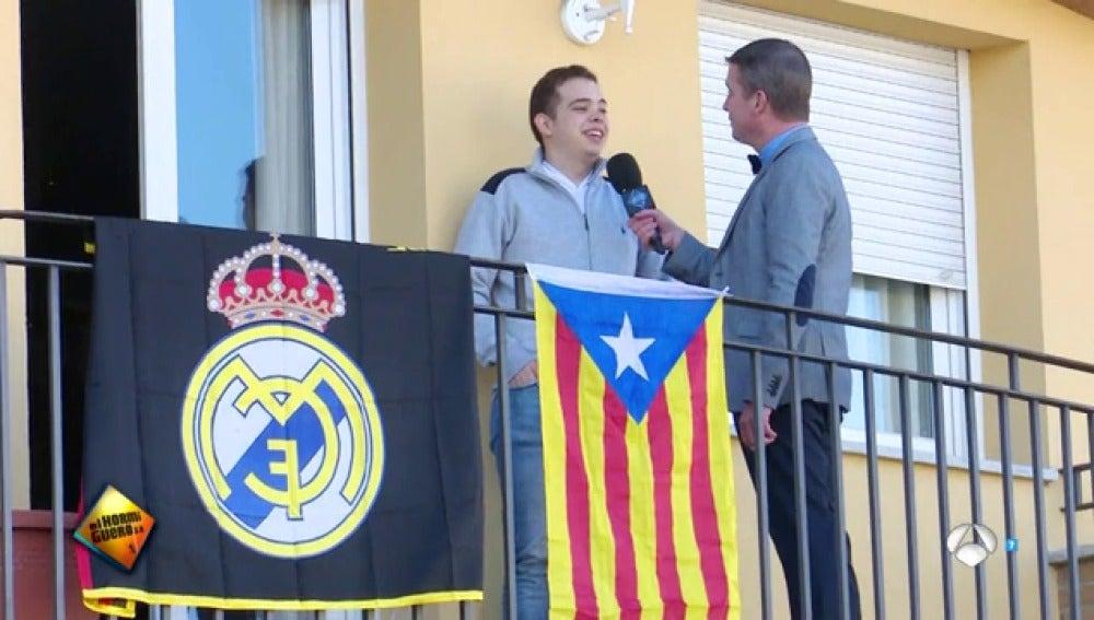 Wolfgang Maier pregunta sobre las banderas.