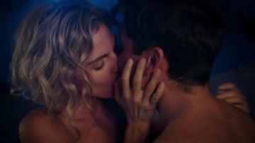 Fidel y Julia desatan el deseo y la pasión de una última noche juntos