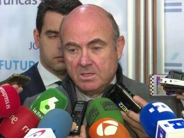 Visto bueno de Bruselas a los presupuestos 2018 con matices por la incertidumbre en Cataluña
