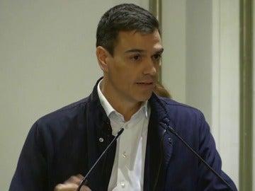 Sánchez insiste en que acordó con Rajoy abrir una subcomisión para estudiar la actualización de la Constitución