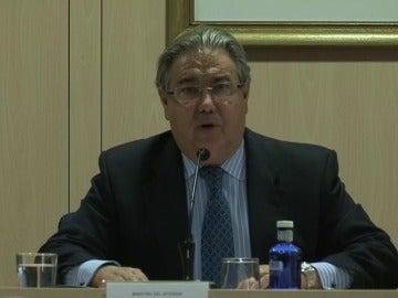 Zoido anuncia que la equiparación salarial de Policía Nacional y Guardia Civil se empezará a implementar en los próximos presupuestos