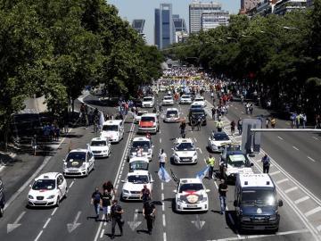 Manifestación de taxistas en Madrid contra las licencias de vehículos VTC