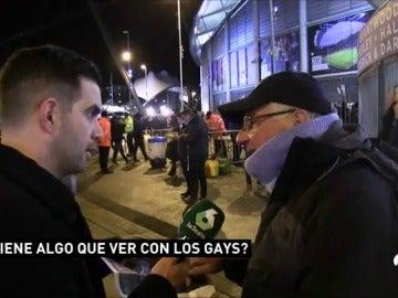 """Aficionados del City desconocen el significado del lazo amarillo de Guardiola: """"Tiene que ver con los gays"""""""
