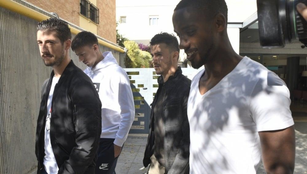 La plantilla del Sevilla visita a Berizzo