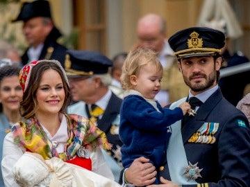 Carlos Felipe y Sofia de Suecia bautizan a su hijo Gabriel