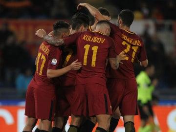 La Roma celebra un gol