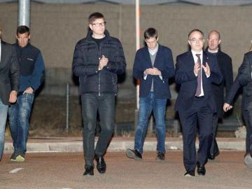 Los exconsellers Romeva, Mundó, Turull y Rull, a su salida de la prisión de Estremera