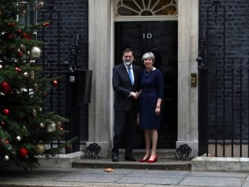 Mariano Rajoy con Theresa May