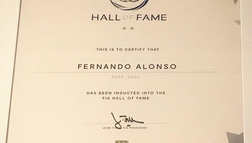 El escrito que certifica la entrada de Alonso en el Hall of Fame de la FIA