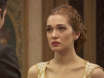 La tensa pedida de manos de Julieta y Prudencio