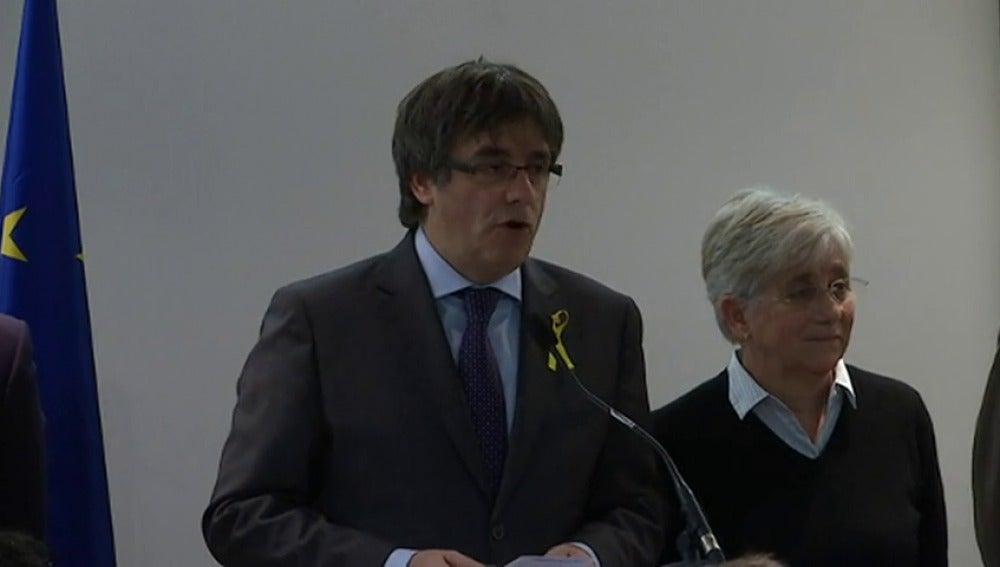"""Puigdemont: """"Se comienza retirando la euroorden y acabarán retirando el 155 y la represión"""""""