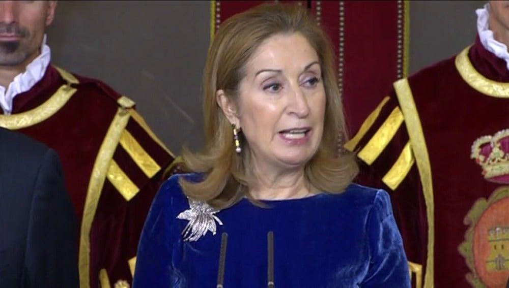 Ana Pastor defiende la Constitución