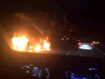 Mueren dos personas en un accidente en la AP-7 por el que se ha cortado la vía en Vilablareix
