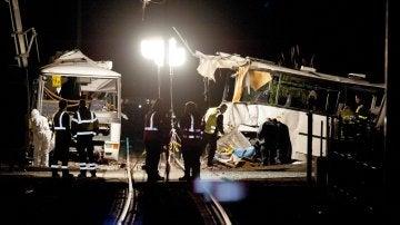 Accidente entre un autobús escolar y un tren en Francia