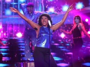 La Terremoto de Alcorcón convierte el plató en una discoteca para versionar 'Ring my bell' de Anita Ward
