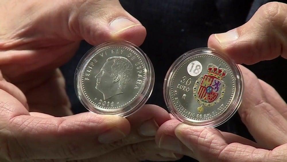 Una pieza de colección: el 50 cumpleaños de Felipe VI se celebrará con la primera moneda coloreada de la historia de España